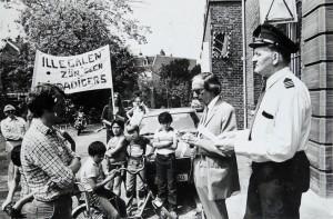 """""""Illegal migrants are no criminals"""" - protest outside the prison, 1980s?"""