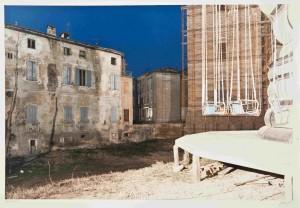 'Scandiano. Fiera di San Giuseppe', from Il profilo delle nuvole (1989). Copyright Eredi di Luigi Ghirri.
