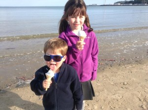 Daniel and sophie with ice cream