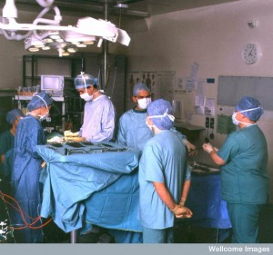 N0028252 Operating theatre Credit: Wellcome Photo Library. Wellcome Images images@wellcome.ac.uk http://wellcomeimages.org Hospital operating theatre Photograph 2002 Published:  -  Copyrighted work available under Creative Commons by-nc-nd 4.0, see http://wellcomeimages.org/indexplus/page/Prices.html