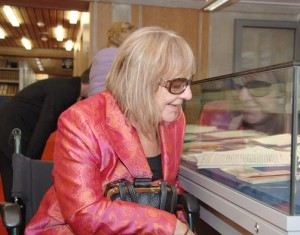 Sue Townsend visiting Special Collections in 2008 after receiving her Distinguished Honorary Fellowship of the University.