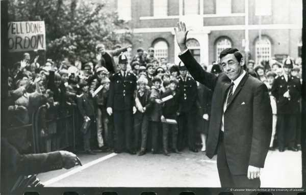 Black and white photograph of Gordon Banks receiving a civic reception in Leicester, 12 August 1966 (Leicester Mercury Archive)
