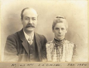 Photograph of Sydney & Mrs Gimson, courtesy of Leicester Secular Society